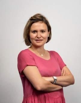 Dra cirujana Nazaret Ruiz Lopez - Formadora en Hilos Aptos